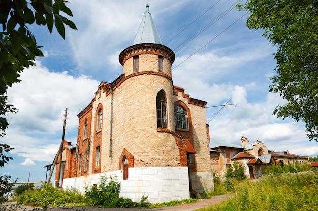 하늘에서 여름날의 역사적인 건축물