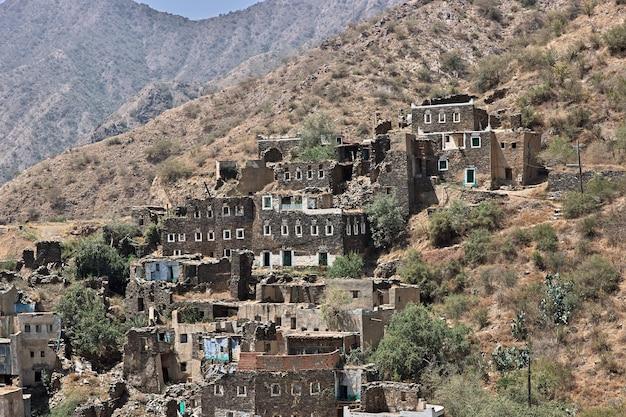 サウジアラビアの歴史的な村rijalalmaa