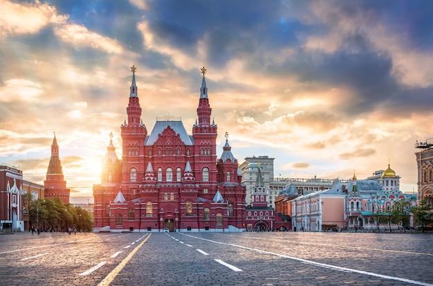 Исторический музей на красной площади в москве