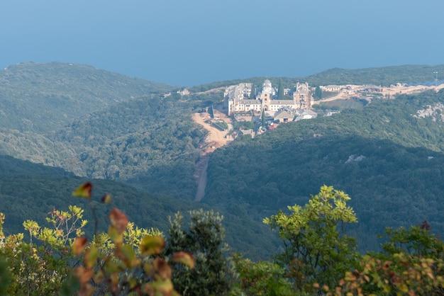 ギリシャ語の聖なる山のアトス山は世界遺産に登録されています。 prodrmouのルーマニアのスキーテ