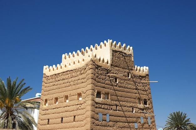 サウジアラビアのアシル地域のナジュラーンに近いアラブの村の家