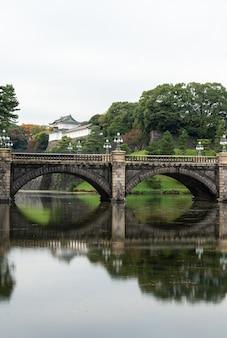 Императорский дворец в токио, япония. императорский дворец - это то место, где сейчас живет японский император.