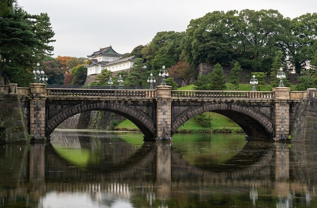 일본 도쿄의 황궁. 황궁은 오늘날 일본 천황이 사는 곳입니다.