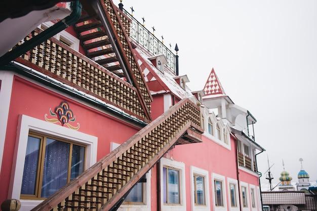 Измайловский кремль, одна из самых популярных туристических достопримечательностей. москва, россия