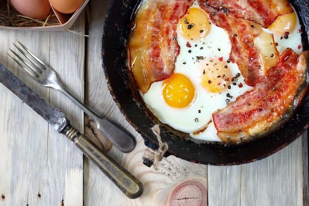 Кето-диета. яйца с салом.