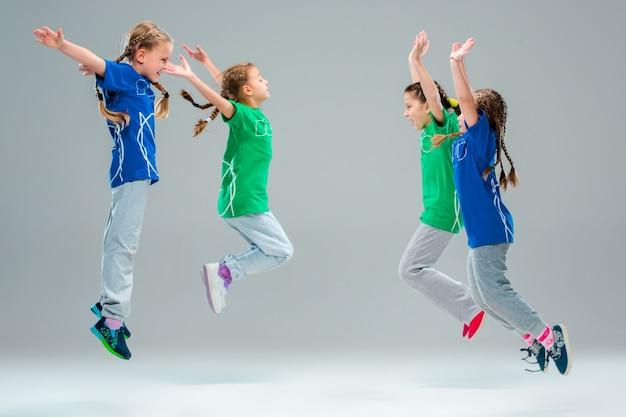 キッズダンススクール、バレエ、ヒップホップ、ストリート、ファンキー、モダンダンサー