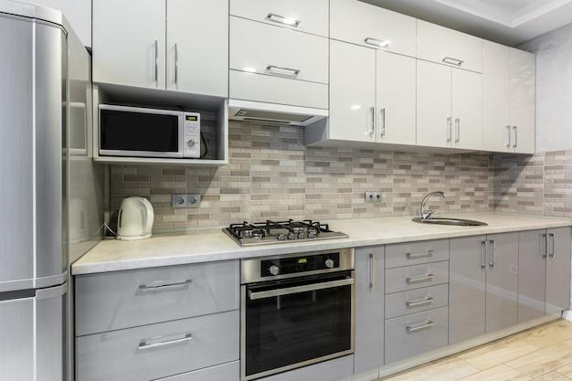 白のキッチン