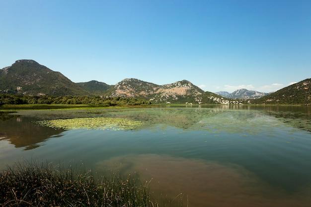 湖(モンテネグロ)-今年の夏にモンテネグロにあるスカダー湖