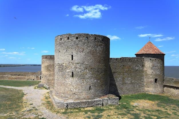 요새의 풍경. 크고 아름다운 요새. 중세 건물