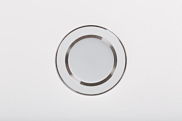 천장 디자인의 led 램프는 클로즈업 촬영됩니다.