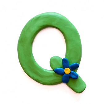 Буква q английского алфавита из пластилина
