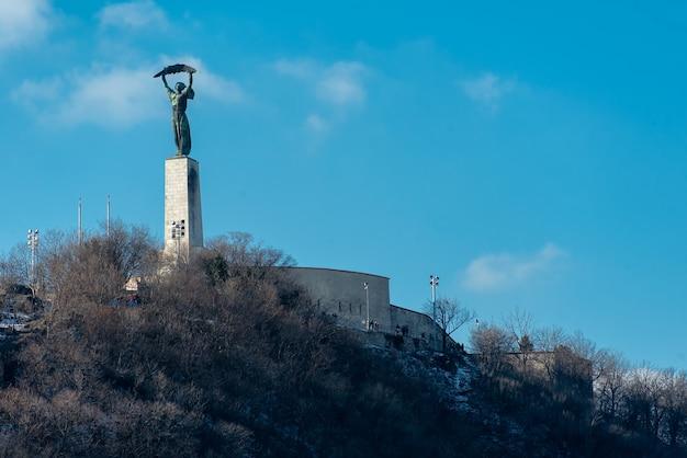 ハンガリーのブダペストのゲルトヒルにある自由の女神