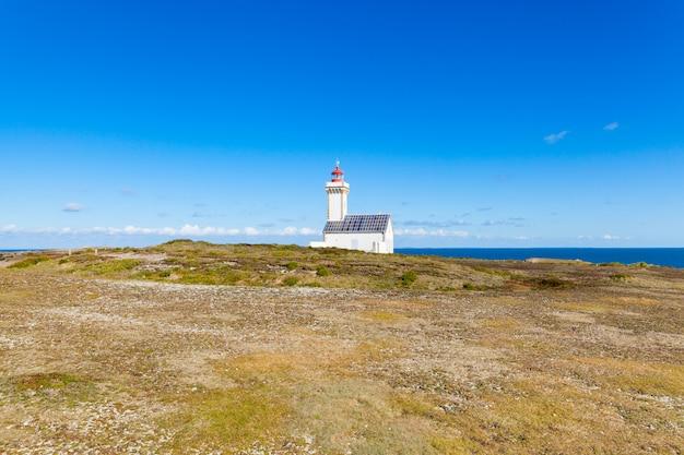 フランスの有名な島ベルイルアンメールの灯台「プーラン」