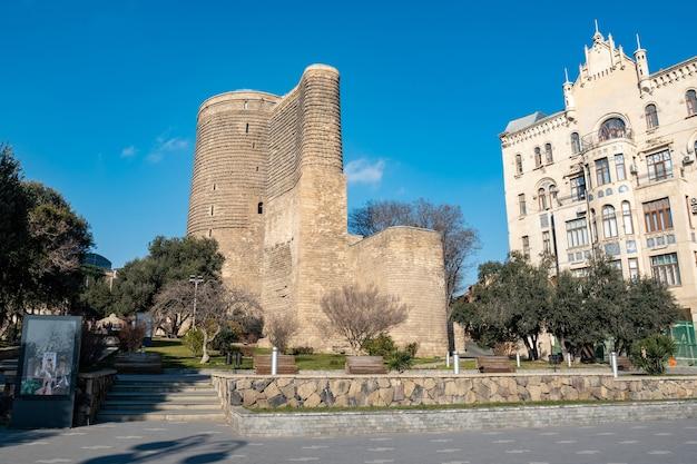 Девичья башня в баку, она была построена в 12 веке.