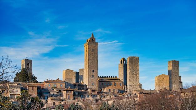 유명한 타워와 함께 san gimignano의 중세 마을. 토스카나 이탈리아
