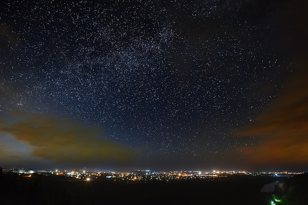 都会の星空 天の川