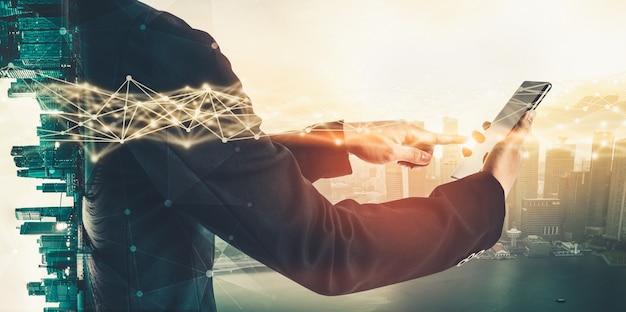 Современное творческое общение и интернет-сеть соединяются в умном городе Premium Фотографии