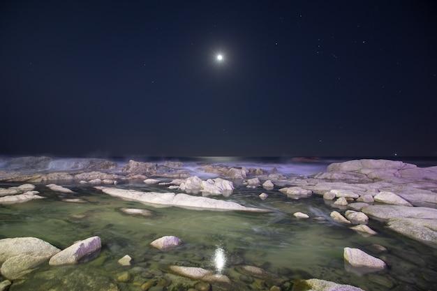 Ночное небо республики корея донхэ.