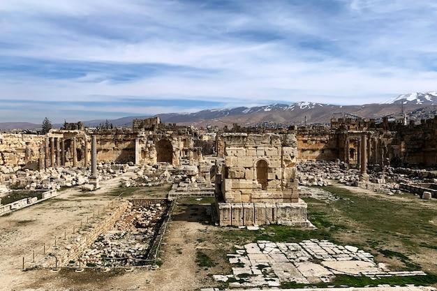 レバノン、バールベックの古い遺跡