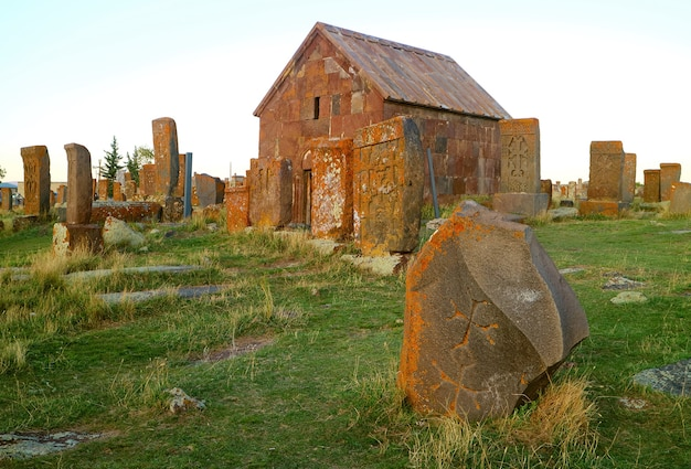 Старейшее армянское кладбище и крупнейшая в мире коллекция хачкарских хачкаров