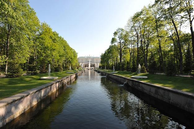 Петергофский фонтан