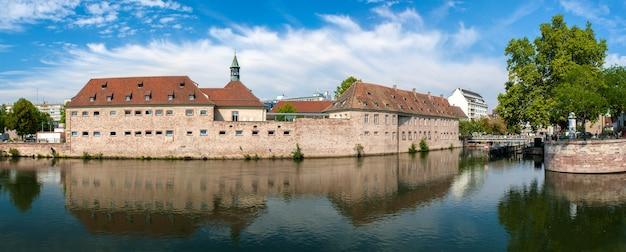 Маленькая франция, туристическая зона в страсбурге, франция