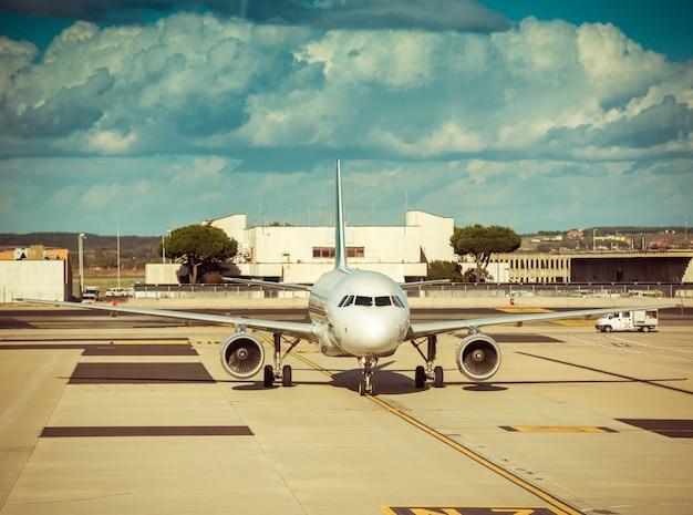 空港の飛行機
