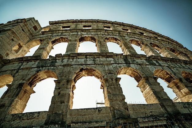 Пула арена в пуле, истрия, хорватия, европа.