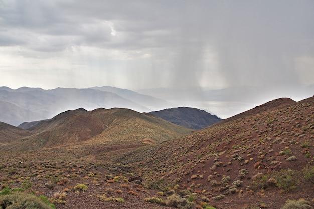 米国カリフォルニア州デスバレーの雨