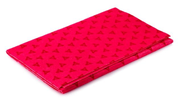 흰색 배경에 고립 된 빨간색 주방 수건