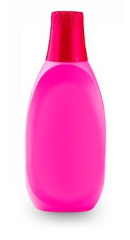 Красная пластиковая бутылка, изолированная на белом