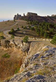 Aipetriの頂上にある道