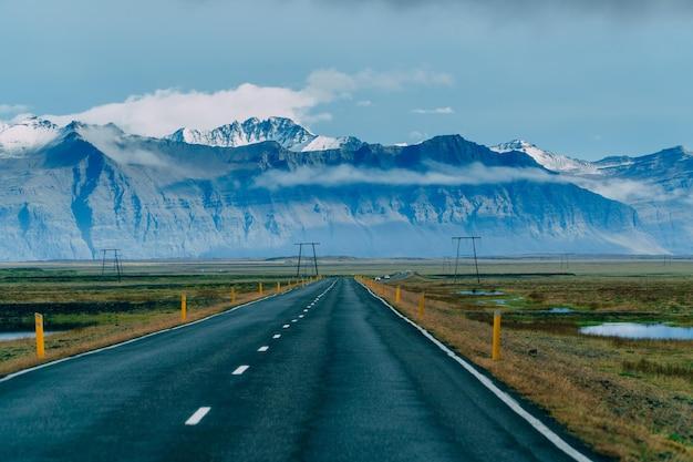 地平線を越える道