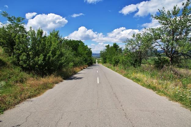 Дорога на поле, болгария