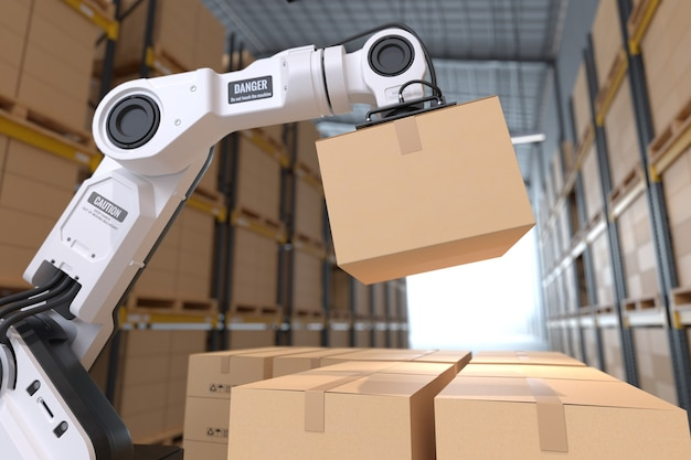 Рука робота забирает картонную коробку на складе.