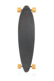 흰색 배경에 똑바로 스케이트보드