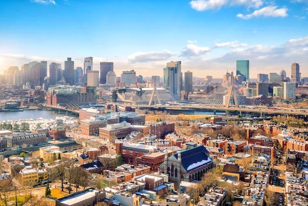 冬の米国マサチューセッツ州ボストンのスカイライン