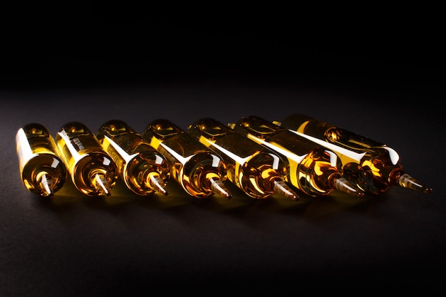 ガラスアンプルの溶液は、経口投与の準備ができています。
