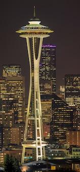 Space needle은 시애틀 워싱턴의 전망대이자 시애틀의 아이콘입니다.
