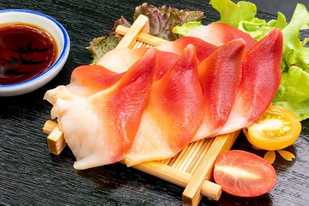 Серп моллюск стимпсон или хоккигай сашими