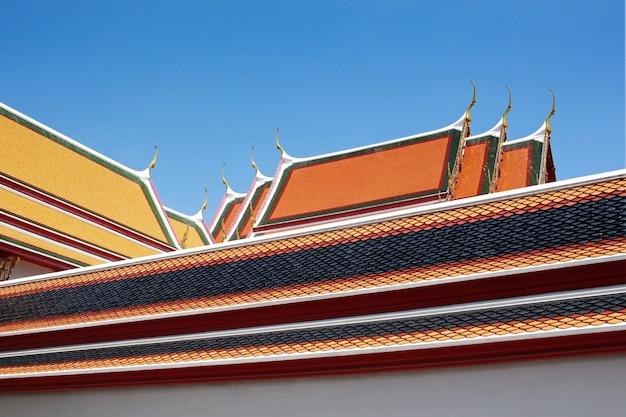 リクライニング仏の寺院(ワットポー)、バンコク、タイ