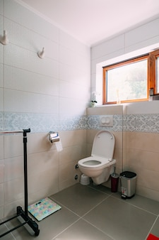 バスルームのトイレ バスルームのインテリア