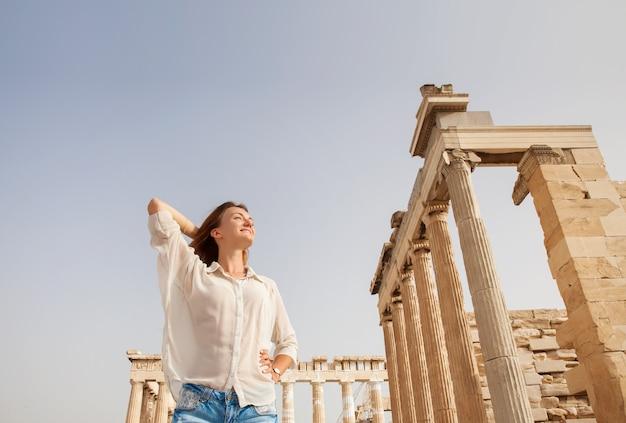 그리스 아테네 아크로폴리스 근처 관광객