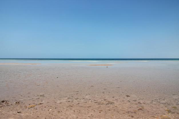 紅海、サウジアラビアの眺め