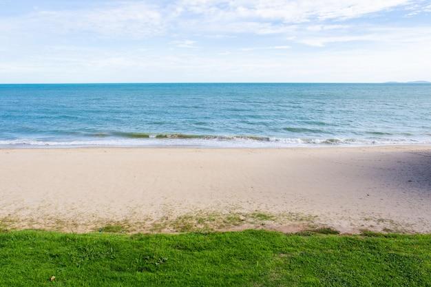 タイラヨーン県のビーチの眺め
