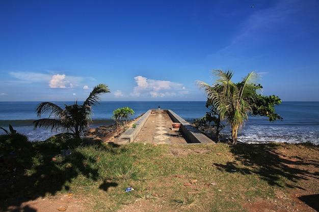 インドネシア、パダン市の海の眺め