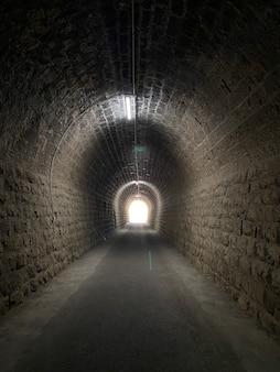 Путь вперед к свету в конце туннеля
