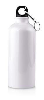 Белая пустая бутылка из нержавеющей стали крупным планом на белом фоне