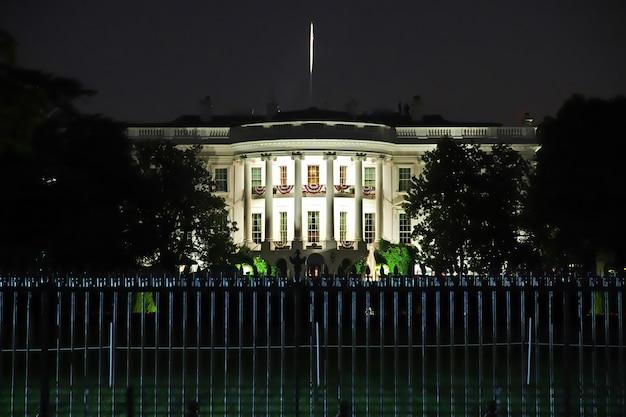 アメリカ合衆国のワシントンのホワイトハウス Premium写真