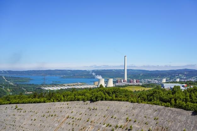 자연 환경에서 전기 생산을 위한 화력 발전소